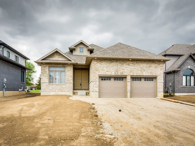 Image of Hickory Heights Model Home Garage & Front